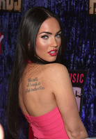 Megan fox and dominic monaghan to appear in eminem s music video
